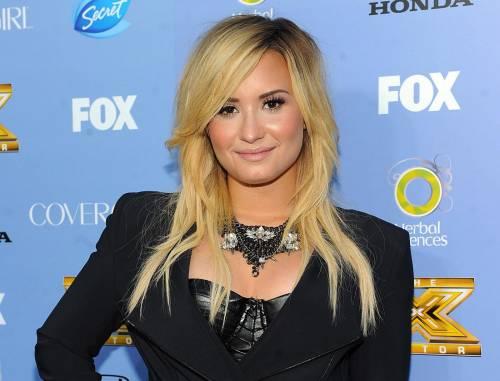 """Demi Lovato choc: """"Dipendente da cocaina, sniffavo ogni mezz'ora"""""""