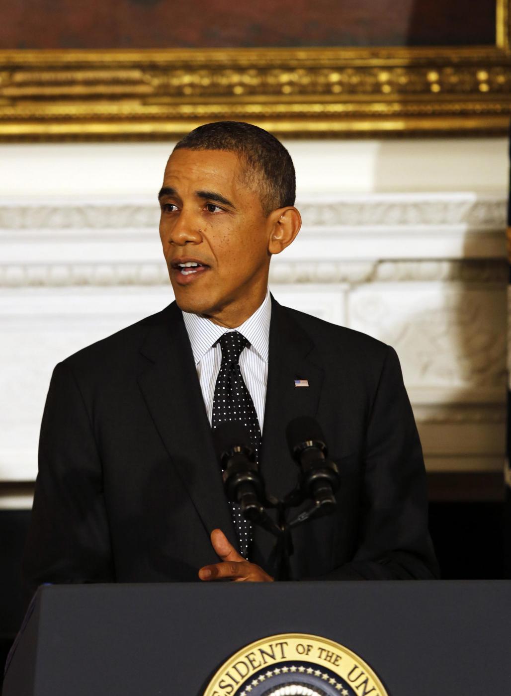 """Barack Obama canta """"Jingle Bells"""": il video con il collage di """"speeches"""""""