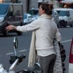 Fiammetta Cicogna e Claudia Galanti, shopping in via Montenapoleone 02
