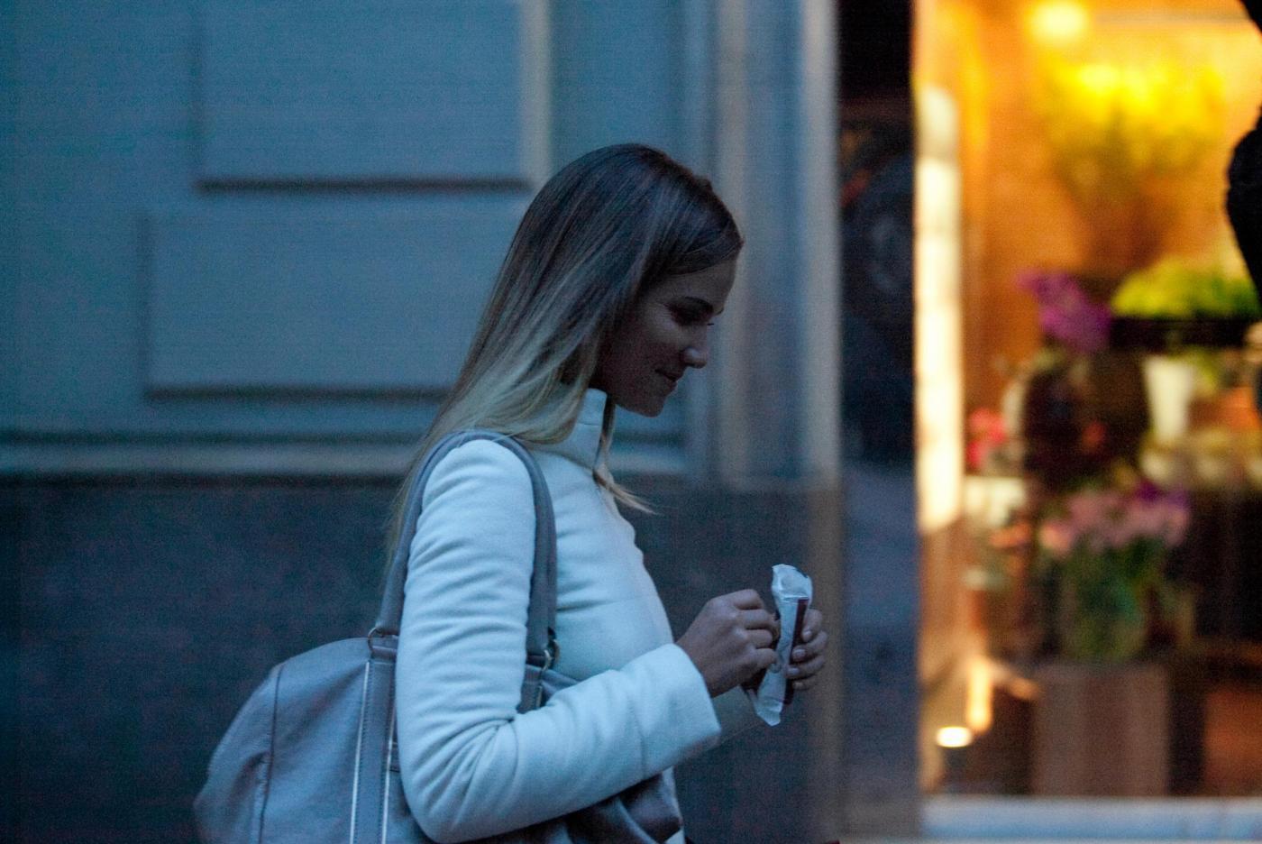 Fiammetta Cicogna e Claudia Galanti, shopping in via Montenapoleone 06