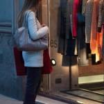Fiammetta Cicogna e Claudia Galanti, shopping in via Montenapoleone 05