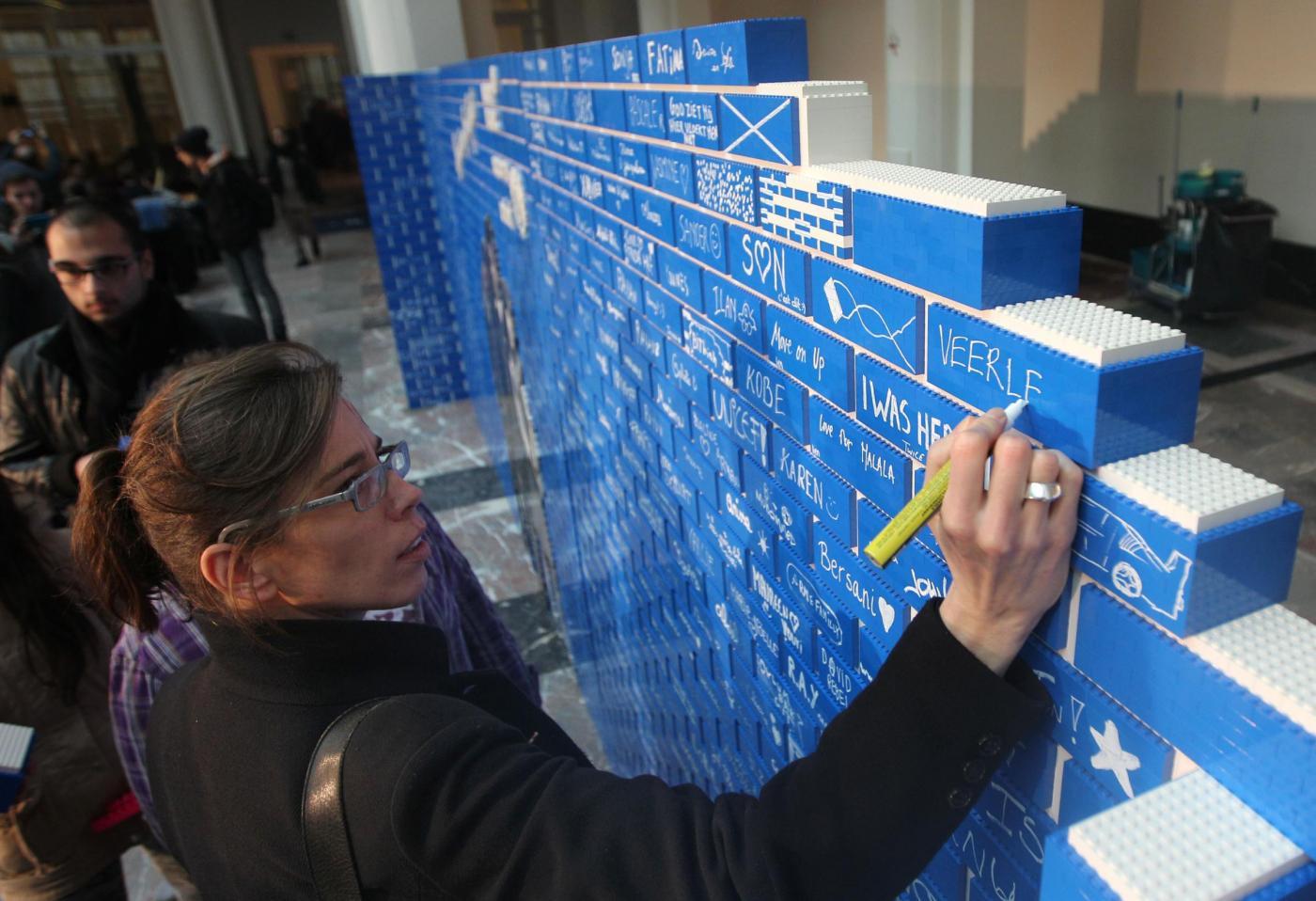 Il muro di mattoncini Lego più lungo del mondo 04
