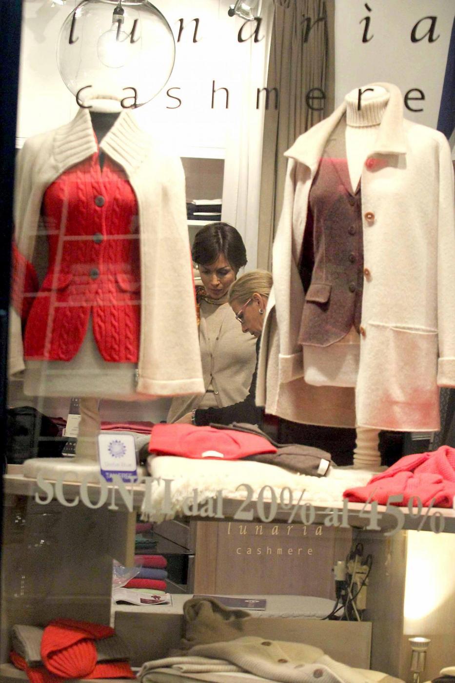 Mara Carfagna, shopping di lusso a Roma01