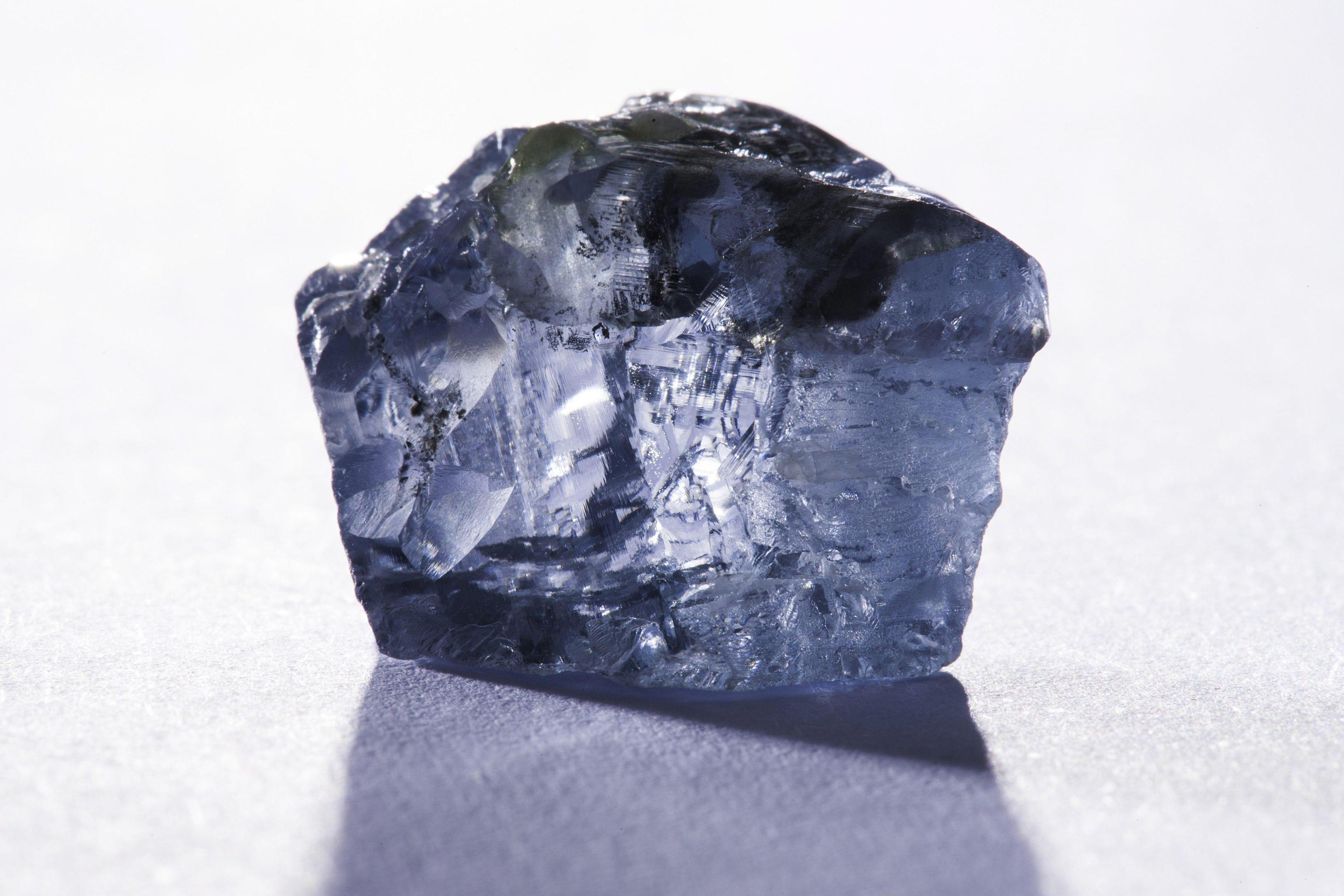 Diamante blu da 29,6 carati scoperto in Sudafrica03