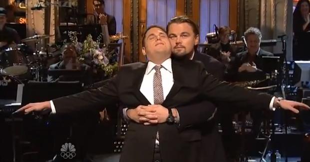 Leonardo DiCaprio e Jonah Hill ripropongono la scena mitica del Titanic