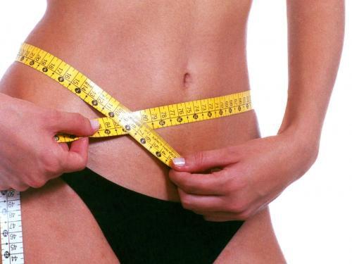 Donne, nella vita più diete che amanti. Lo dice un sondaggio inglese