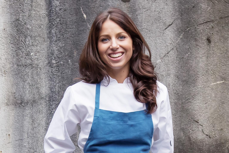 Florence Knight, la giovane chef inglese che sta rimpiazzando Nigella Lawsons