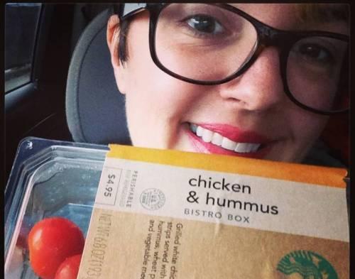 Mangia solo da Starbucks per un anno: test di Beautiful Existence