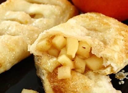 Ricette di dolci: fagottini di mela e cannella