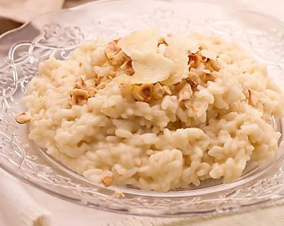 Ricette di primi: risotto con formaggio Castelmagno e nocciole