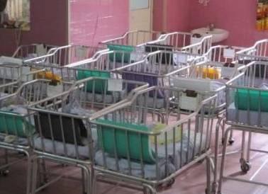 Scambio di neonati: partorisce bambina ma le danno un maschio