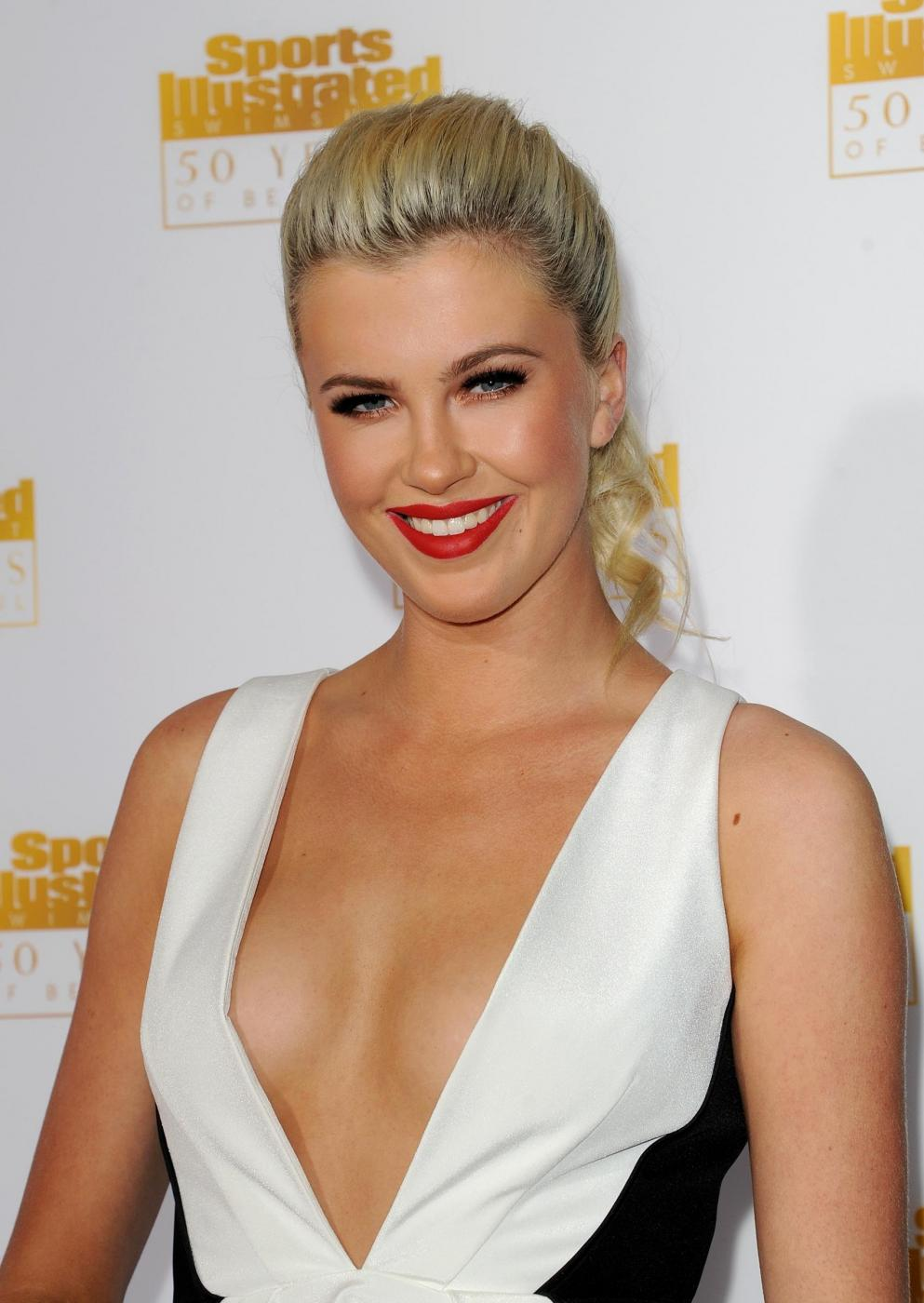 Ireland Baldwin02