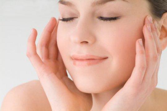 Rughe, ginnastica facciale e massaggi fanno poco. Ecco quali servono
