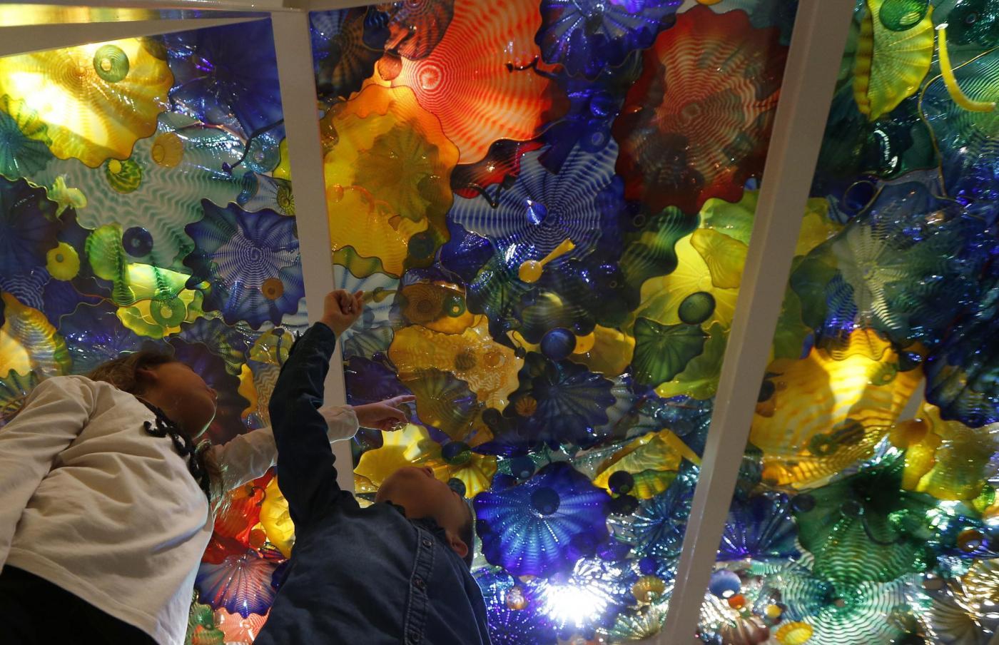 Le sculture di vetro che sembrano fondali marini 05