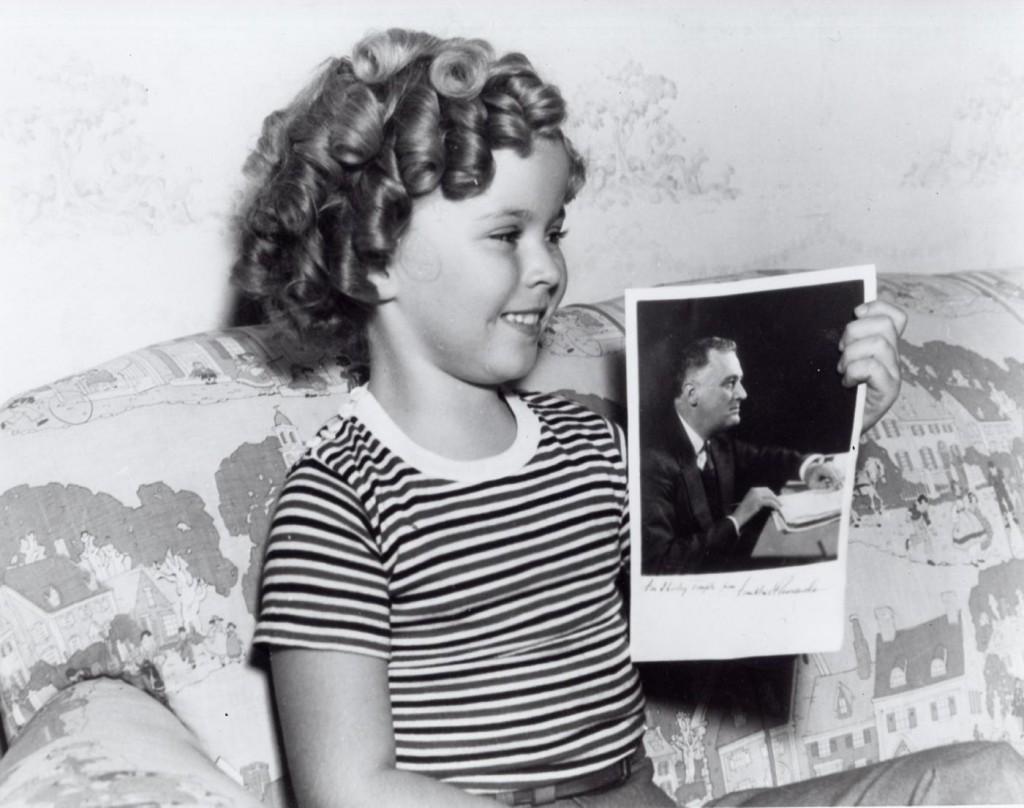 Shirley Temple morta, la baby star più famosa al mondo aveva 85 anni