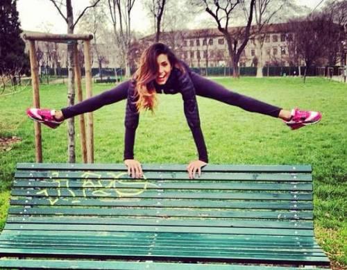 Federica Nargi, ecco i suoi esercizi per un fisico perfetto (video)
