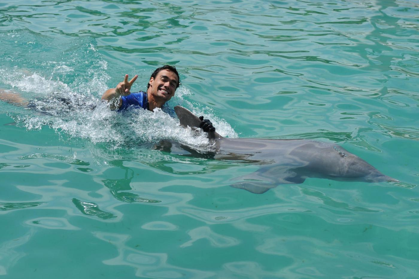 Fabio Fognini e Ana Ivanovic tra i delfini a Miami08