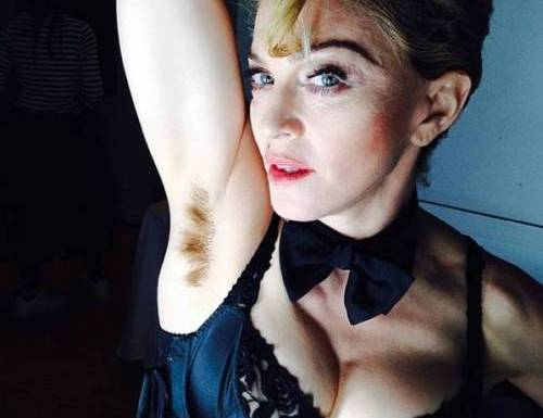 Madonna, che peli! Lancia la moda dell'ascella non depilata, foto Instagram