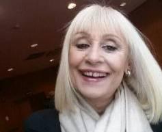 Raffaella Carrà esordisce su Twitter con un selfie02