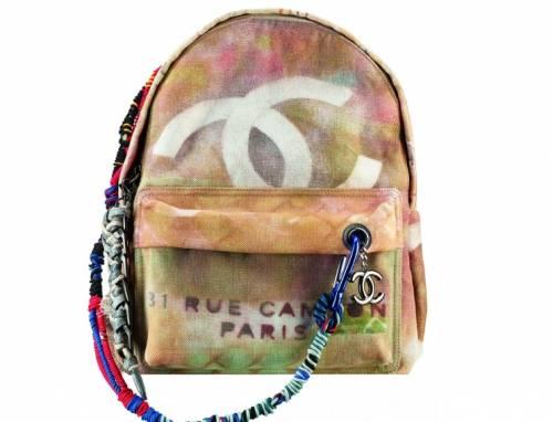 comprare popolare 9cd61 42f53 Zaino Chanel, mamma lo riproduce insieme a figlia: