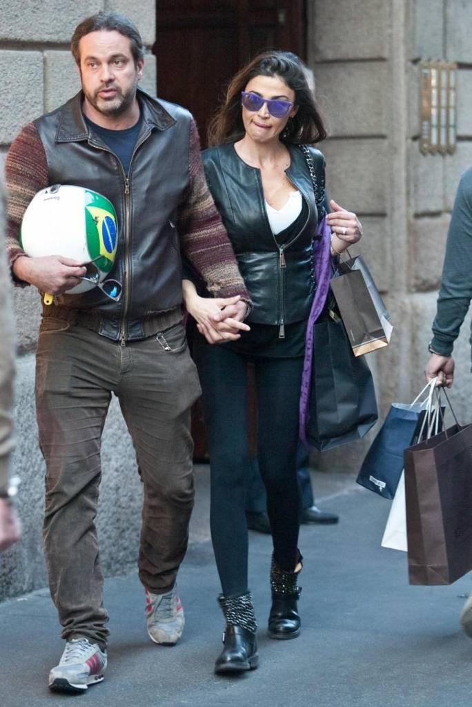 Cecilia Capriotti Shopping Con Gianluca La Showgirl