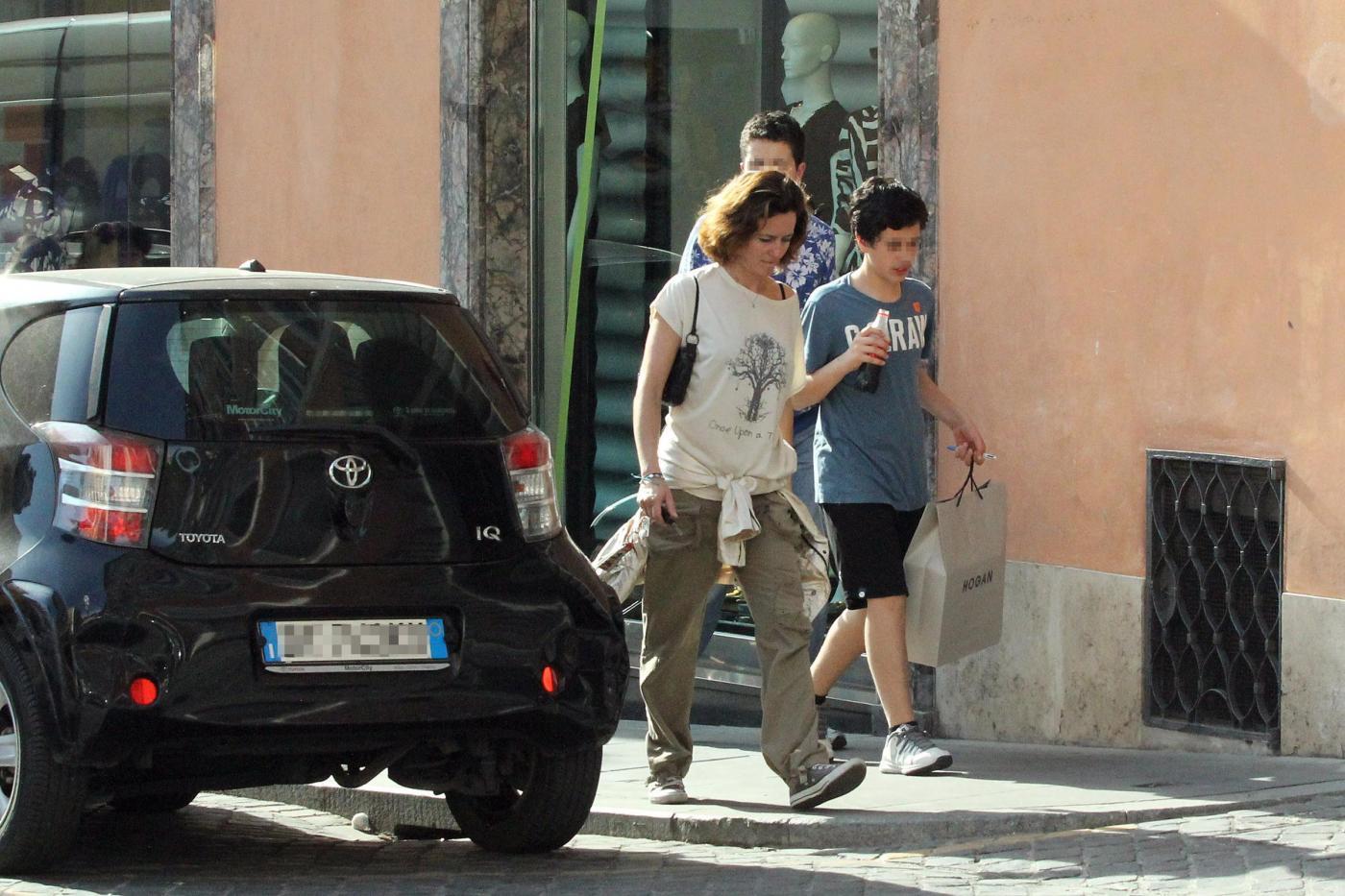 Chiara Giordano, shopping con i figli per l'ex moglie di Raoul Bova06