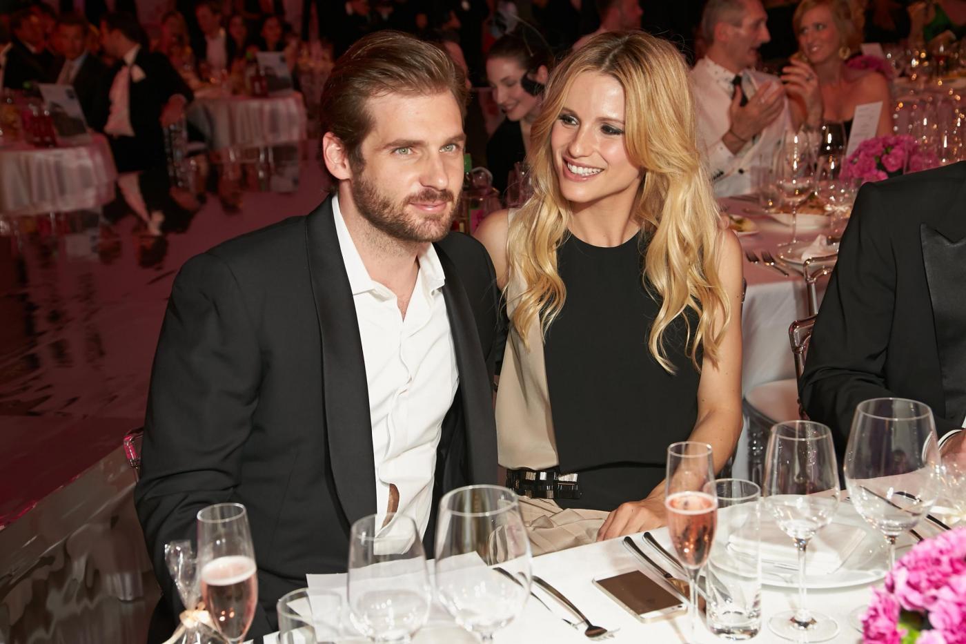 Michelle Hunziker e Tomaso Trussardi ai Vienna Awards02