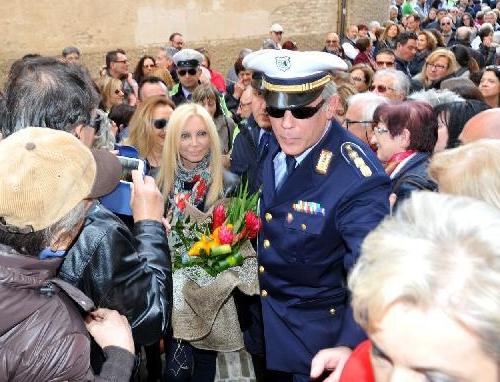 Patty Pravo, suoi abiti di scena all'asta: ricavato ad Emergency