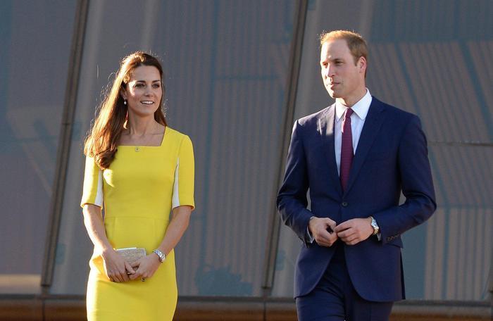 William, Kate e George in Australia il vestitino color canarino della Duchessa01