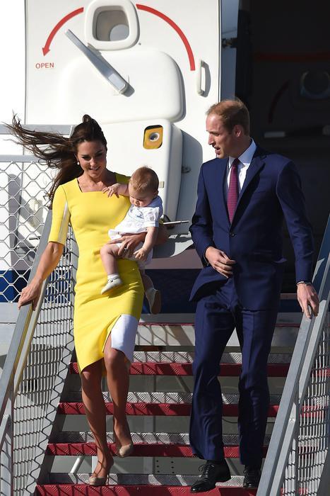 William, Kate e George in Australia il vestitino color canarino della Duchessa10