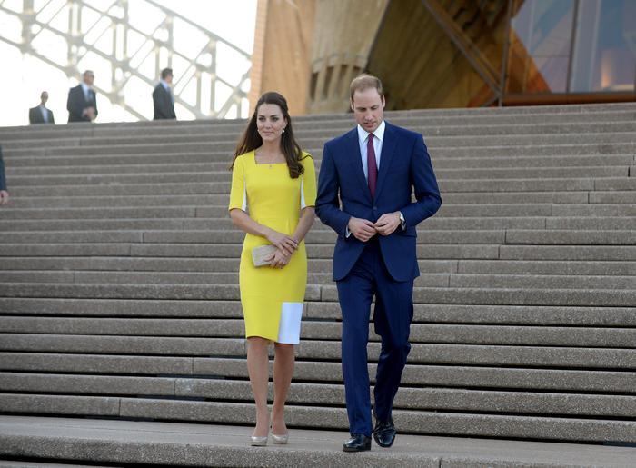William, Kate e George in Australia il vestitino color canarino della Duchessa03