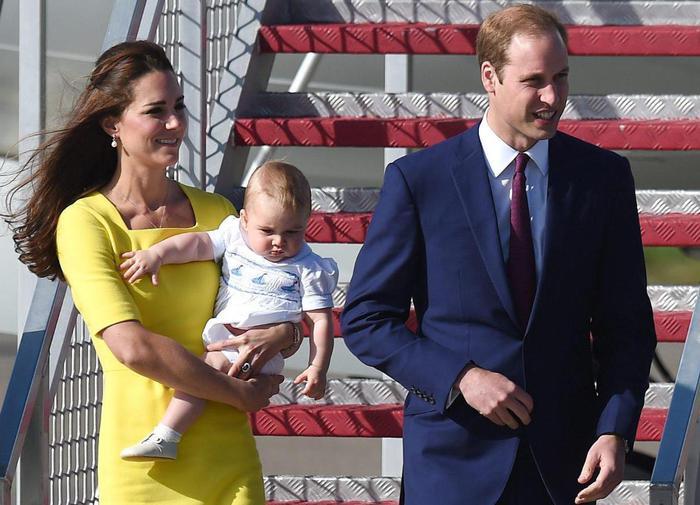 William, Kate e George in Australia il vestitino color canarino della Duchessa09