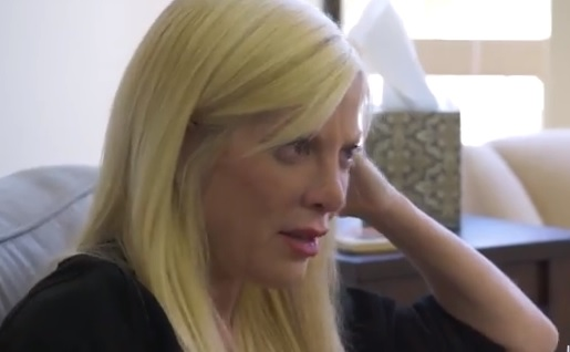 """Tori Spelling tradita dal marito: """"Non riesco a dargli abbastanza sesso"""""""