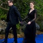 Angelina Jolie in abito nero sul red carpet di Maleficent05