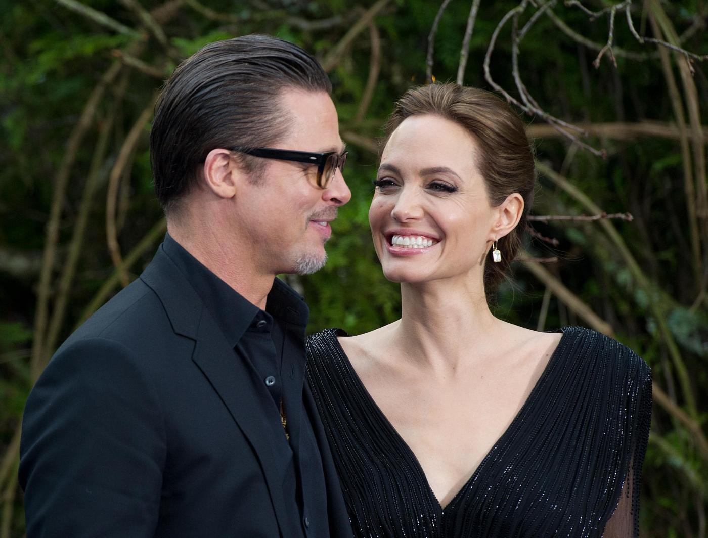 Angelina Jolie in abito nero sul red carpet di Maleficent4
