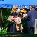 Julia Roberts al funerale della sorella non riesce a trattenere le lacrime01