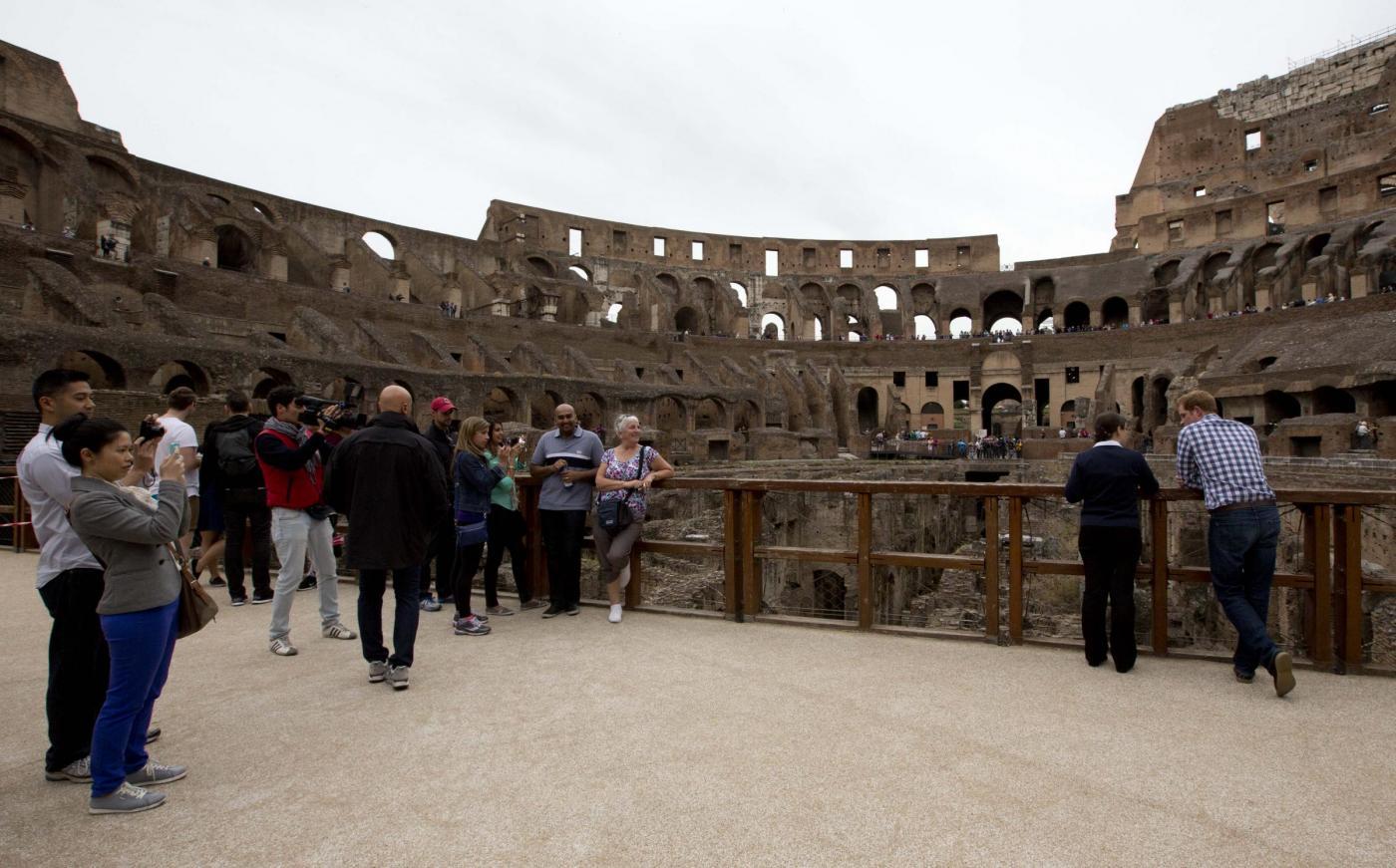 Non solo Obama: anche il principe Harry visita il Colosseo02