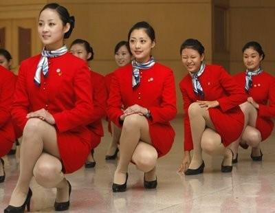 Pramugari Cathay Pacific Tak Harus Kenakan Rok Mini Lagi
