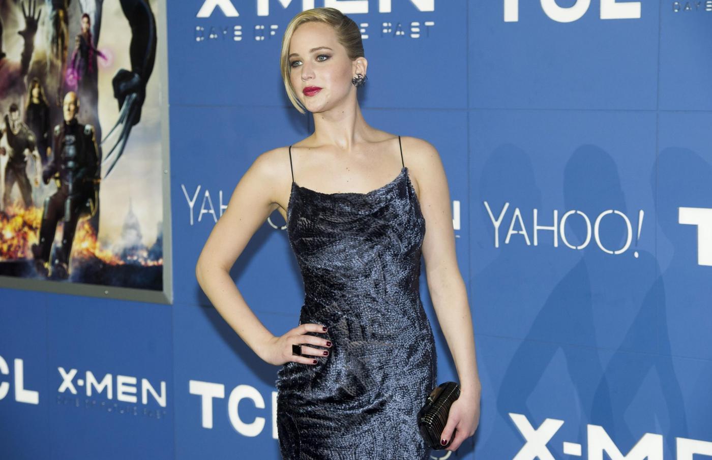 Jennifer Lawrence rischia di cadere ancora sul red carpet