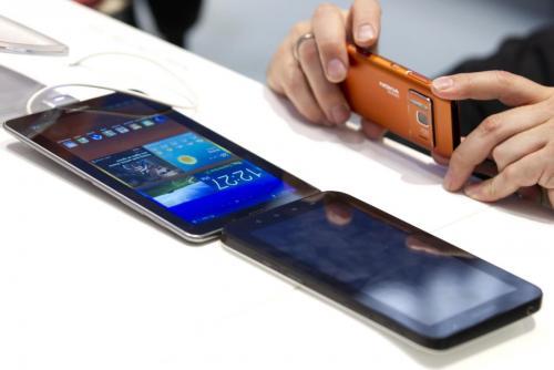 """""""Obesità mediale"""" da pc, tablet e smartphone: giovani a rischio"""