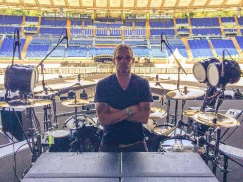 Will Hunt, il sexy batterista di Vasco che ha mandato le fan in delirio (video)