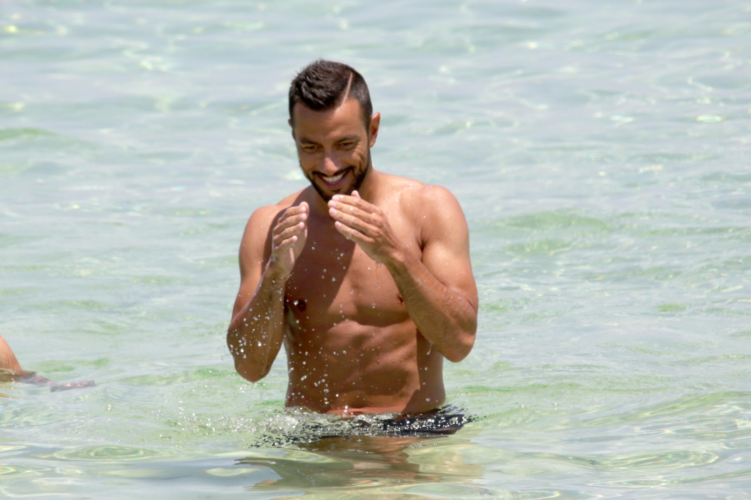 Fabio Quagliarella mostra i muscoli a Formentera05