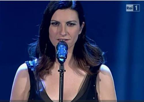 "Laura Pausini, Music Awards 2014: ""Basta omofobia!"". Serata di duetti"