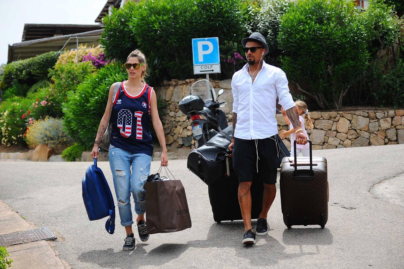 Melissa Satta e Kevin Prince Boateng in Sardegna05