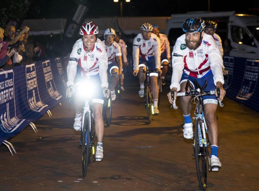 Pippa Middleton in bicicletta per beneficenza11