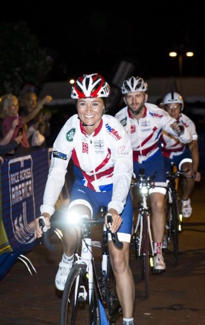 Pippa Middleton in bicicletta per beneficenza12