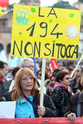 Aborto, nei consultori del Lazio vietata l'obiezione