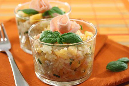 Ricette di primi: insalata di riso con prosciutto e melone
