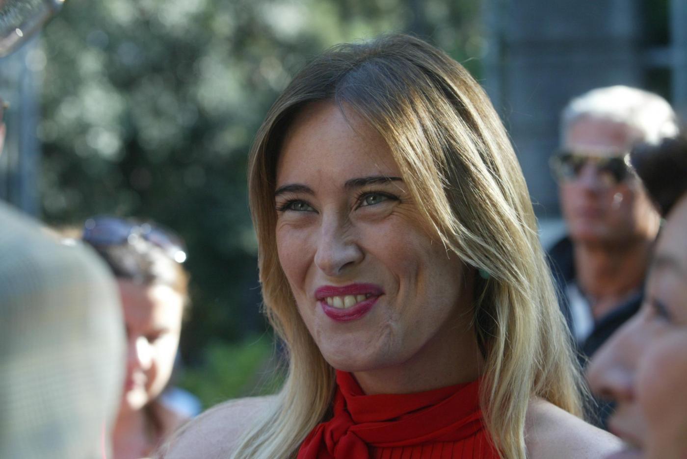 Maria Elena Boschi in Versilia col padre e senza scorta14