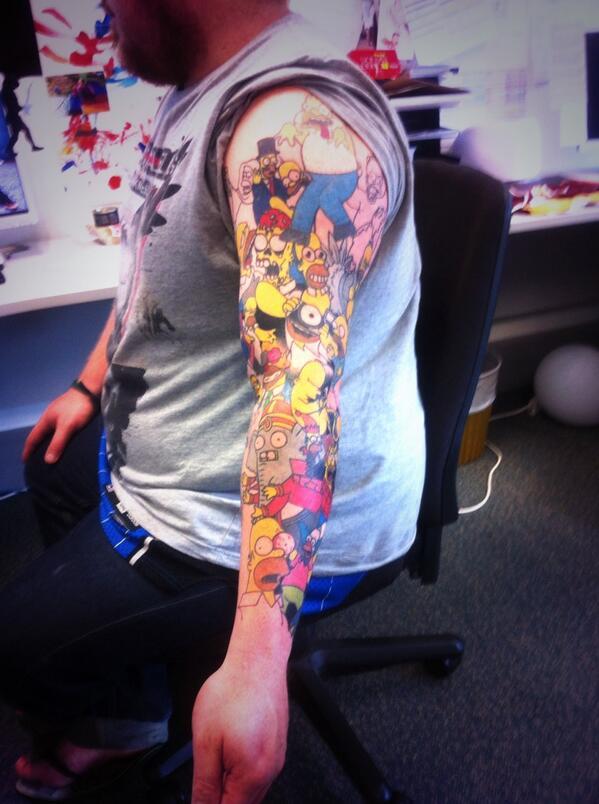 Lee Weir batte record mondiale: si tatua 41 volte la faccia di Homer Simpson